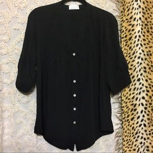 Love Tree Pleated Buttons Blouse